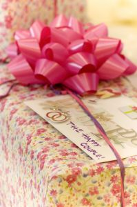 wedding-gift-1076475-m